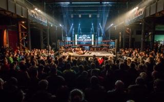 Halle Wrestling frontal